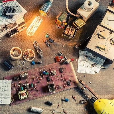 Electronics for Makers and Education